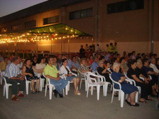 El buen ambiente reinó en las fiestas del barrio Olímpico, Las Peras, Estación y Triptolemos, Foto 1