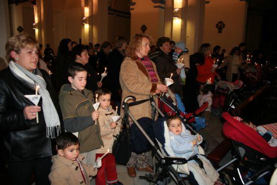 Numerosas personas asistieron a la celebración del día de la Candelaria en las parroquias de la localidad, Foto 2