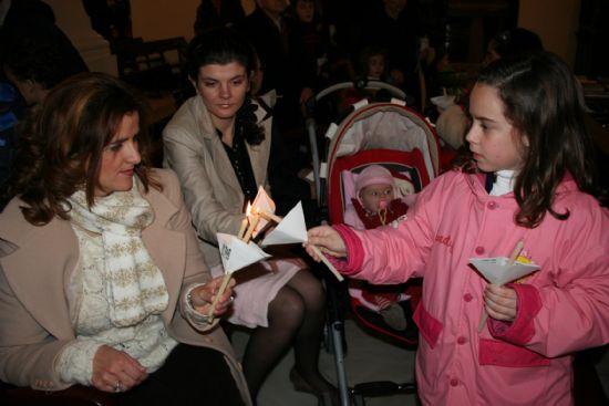 Numerosas personas asistieron a la celebración del día de la Candelaria en las parroquias de la localidad, Foto 3