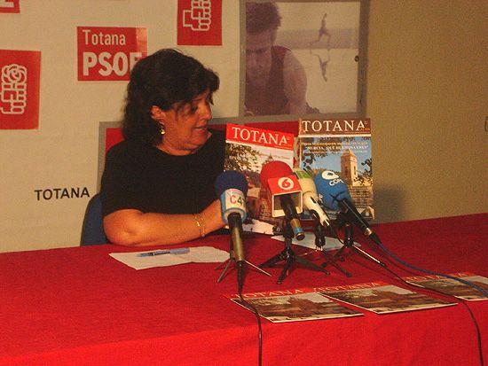 """El Grupo Municipal Socialista saca a luz la revista """"TOTANA al día"""", Foto 2"""