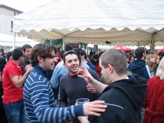 La Feria de Día se convierte estos días en el centro de reunión de vecinos y visitantes para tomarse algo, Foto 1