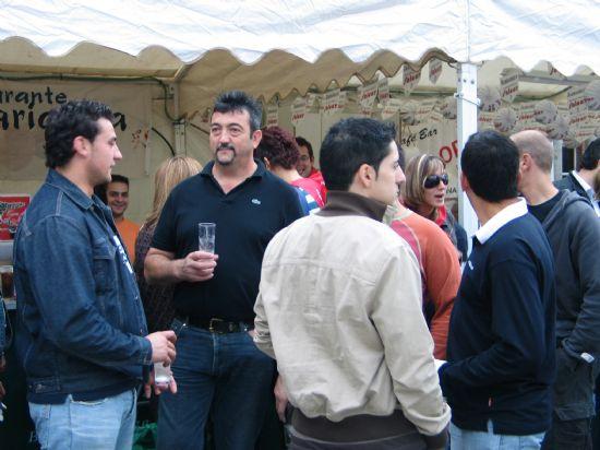 La Feria de Día se convierte estos días en el centro de reunión de vecinos y visitantes para tomarse algo, Foto 2