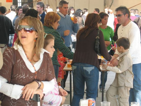 La Feria de Día se convierte estos días en el centro de reunión de vecinos y visitantes para tomarse algo, Foto 4
