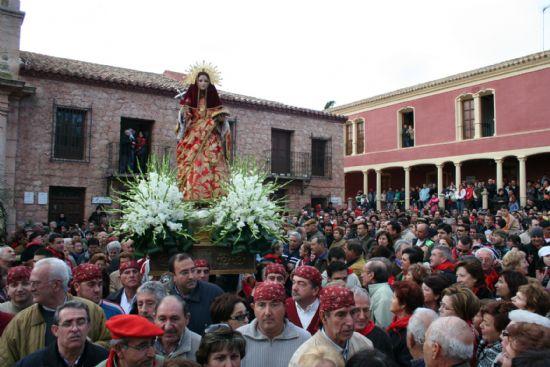 Santa Eulalia de Mérida bajó el 8 de diciembre desde su ermita acompañada por alrededor de 10.000 personas, Foto 3