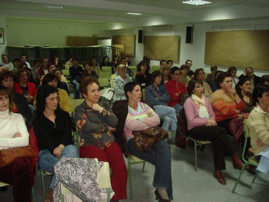 El IES Juan Cierva celebró una charla sobre el acoso escolar el pasado jueves 16 marzo, Foto 1