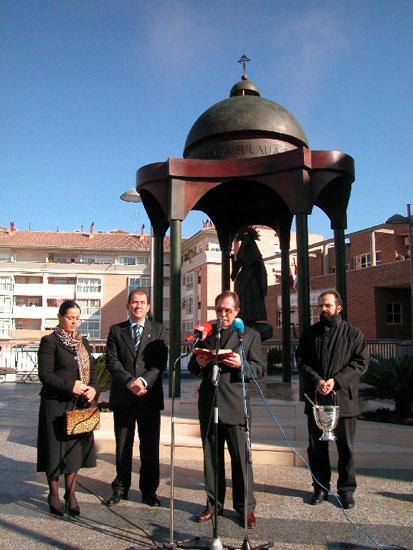 Una imagen de Santa Eulalia preside la plaza de la Constitución, Foto 1