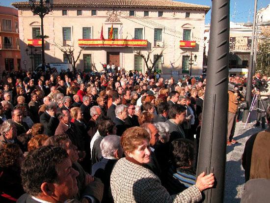 Una imagen de Santa Eulalia preside la plaza de la Constitución, Foto 2