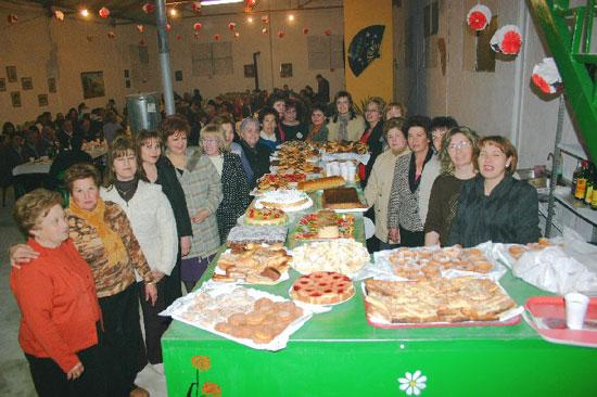 La Asociación de Amas de Casa de la pedanía de Lébor celebró una cena de convivencia, Foto 4