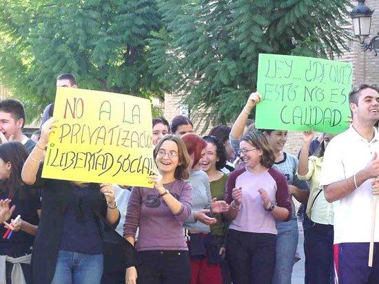 La jornada de huelga en la Educación se deja sentir en Totana, Foto 1