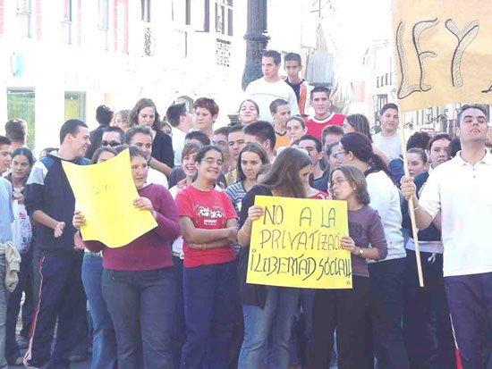 La jornada de huelga en la Educación se deja sentir en Totana, Foto 3