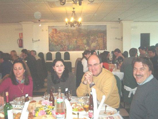 Cientos de personas asistieron al acto central del cincuenta aniversario del instituto «Juan de la Cierva y Codorníu», Foto 3