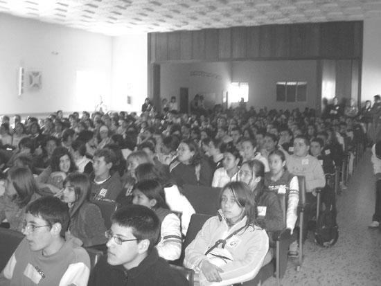 """El colegio """"La Milagrosa"""" acogió el pasado día 9 de abril un encuentro de jóvenes cristianos, Foto 2"""