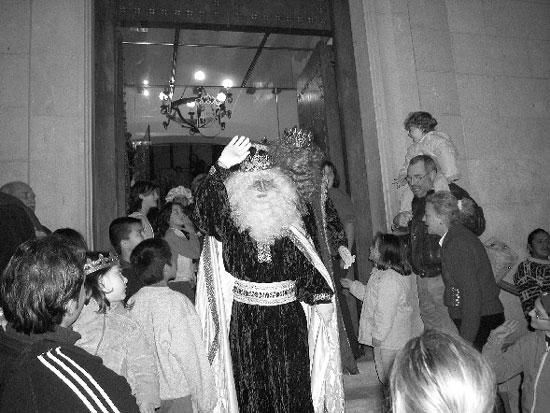 Los Reyes Magos llenaron de ilusión los hogares de los niños totaneros, Foto 2