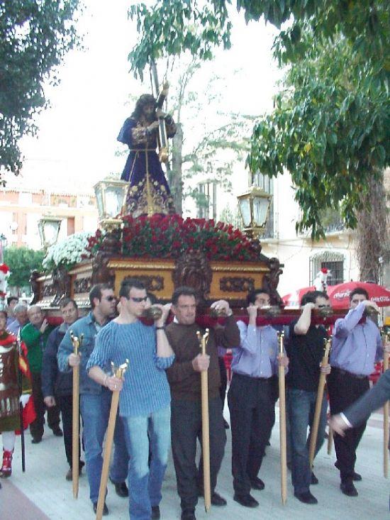 El Vía Crucis con el trono de NUestro Padre Jesús Nazareno recorrió las calles en la tarde del Viernes de Dolores, Foto 1