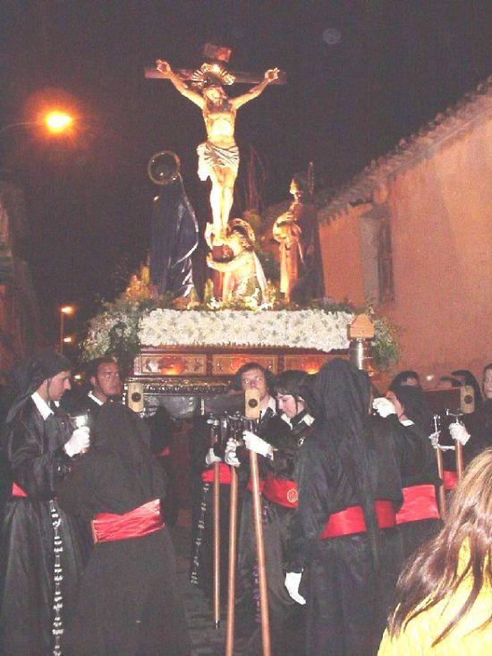 La lluvia obligó a suspender la procesión de Viernes Santo por la mañana, aunque la del Santo Entierro sí se celebró, Foto 1