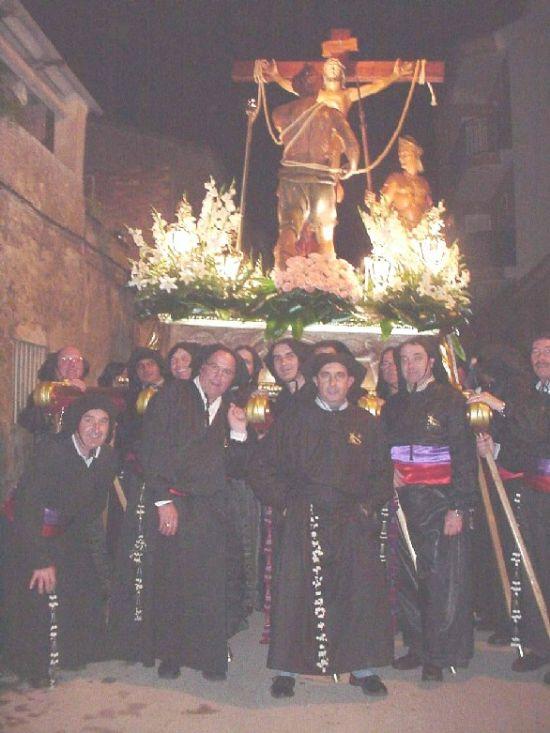 La lluvia obligó a suspender la procesión de Viernes Santo por la mañana, aunque la del Santo Entierro sí se celebró, Foto 5