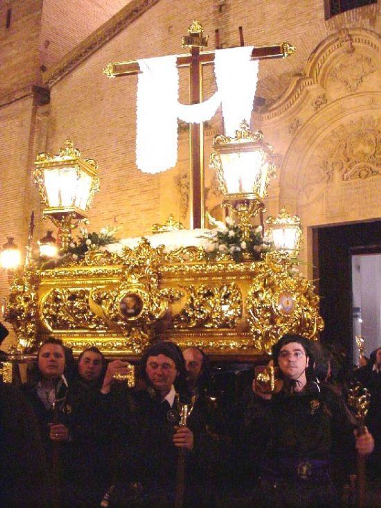 La lluvia obligó a suspender la procesión de Viernes Santo por la mañana, aunque la del Santo Entierro sí se celebró, Foto 6