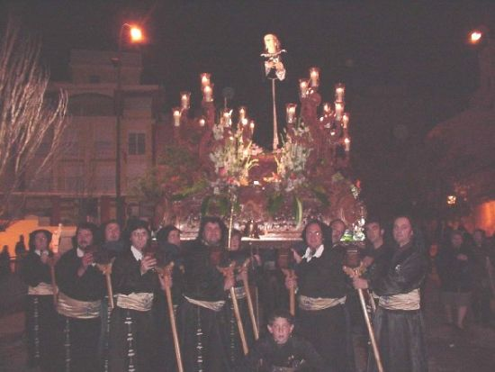 La lluvia obligó a suspender la procesión de Viernes Santo por la mañana, aunque la del Santo Entierro sí se celebró, Foto 7