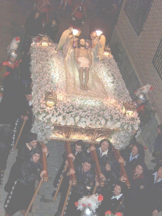 La lluvia obligó a suspender la procesión de Viernes Santo por la mañana, aunque la del Santo Entierro sí se celebró, Foto 9