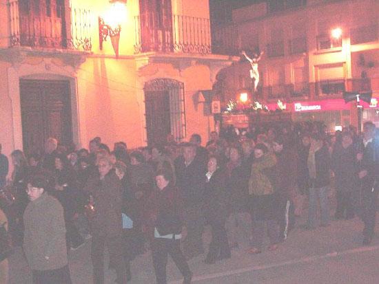 Numerosas personas participaron en el Vía Crucis organizado por la Hermandad de Jesús en el Calvario y Santa Cena, Foto 6