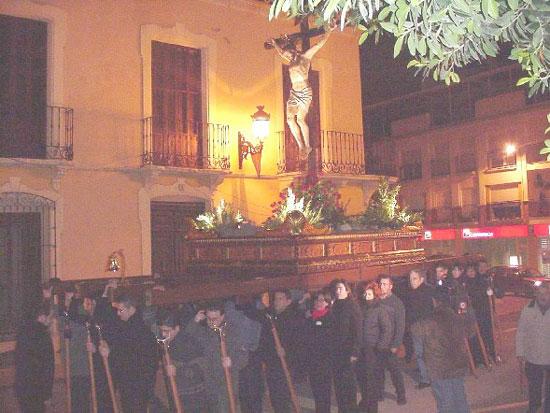 Numerosas personas participaron en el Vía Crucis organizado por la Hermandad de Jesús en el Calvario y Santa Cena, Foto 1